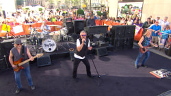 'Smoke on the Water': Deep Purple rocks TODAY plaza