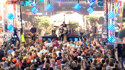 Keith Urban plays 'Raise 'Em Up' on the plaza