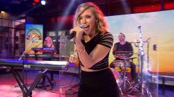Rachel Platten belts out her 'Fight Song' anthem
