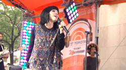 Carly Rae Jepsen sings 'Call Me Maybe' on TODAY plaza