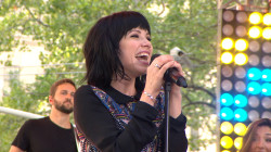 Carly Rae Jepsen to TODAY plaza fans: 'I Really Like You'