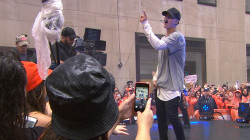 Justin Bieber performs No. 1 hit 'What Do You Mean?'