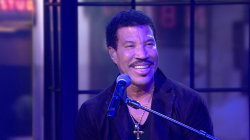 Lionel Richie takes it 'Easy' on TODAY
