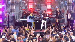 Duran Duran perform 'Last Night in the City' on the plaza