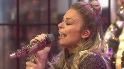 LeAnn Rimes sings a medley of holiday songs on TODAY