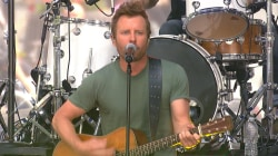 Dierks Bentley sings 'I Hold On' for Navy personnel on TODAY