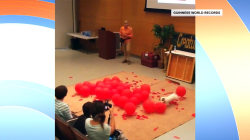 Dog sets new Guinness record for popping balloons