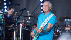 Jimmy Buffett performs 'Grapefruit-Juicy Fruit' live on TODAY