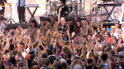 Gwen Stefani performs 'Hollaback Girl' live on TODAY