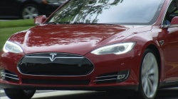 Tesla under scrutiny after first fatal crash of self-driving car