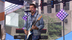 Andy Grammer debuts new single 'Fresh Eyes' on the TODAY plaza
