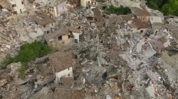 Italy earthquake: Aftershocks hamper desperate search for survivors