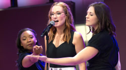 Ingrid Michaelson performs 'Hell No' with Deaf West Theatre performers