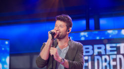 Watch Brett Eldredge perform 'Wanna Be That Song' live on TODAY