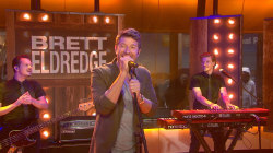 Brett Eldredge performs new song 'Drunk On Your Love'