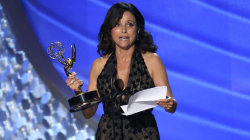 Julia Louis-Dreyfus gives touching Emmy tribute to her late dad