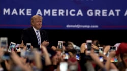 Trump Struggles to Stay on Message, Continues Slide in Polls