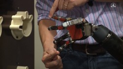 Experimental robotic fingers allow man to feel