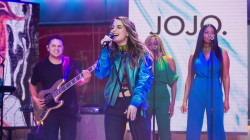 Watch JoJo perform 'No Apologies' live on TODAY