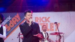 Watch Rick Astley perform 'Keep Singing' live on TODAY