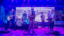 Saint Motel rocks Studio 1A with the hit song 'Move'