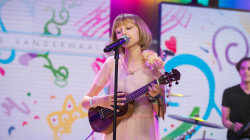 Grace VanderWaal, winner on 'America's Got Talent,' sings 'I Don't Know My Name'