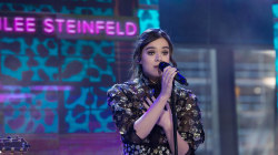 Watch Hailee Steinfeld perform 'Starving' live on TODAY