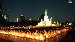 Impressive Candlelight Vigil Held for Late Thai King