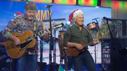 See Jimmy Buffett perform 'Santa Stole Thanksgiving' live on TODAY