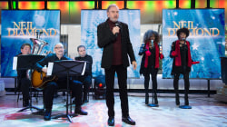 Watch Neil Diamond perform a Christmas medley live on TODAY
