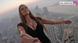 See Instagram model dangle from 1,000 feet skyscraper