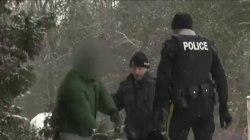 Refugees Fleeing the U.S. for Canada, Despite Brutal Cold