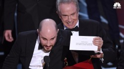 'La La Land' Over 'Moonlight' Oscars Screwup: A Picture Is Worth 1000 Words