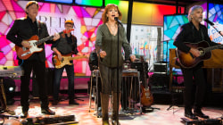 Watch Reba McEntire perform 'Swing Low, Sweet Chariot' live on TODAY