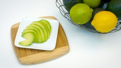 How to keep avocados green
