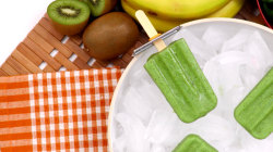 How to make Katie Lee's green smoothie pops