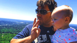 See this dad and daughter beautifully communicate in sign language