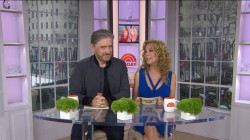 Craig Ferguson tells Kathie Lee Gifford what's under a Scotsman's kilt