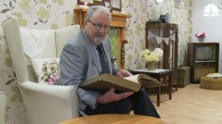 Husband Builds Sixties Style Living Room for Wife with Alzheimer's
