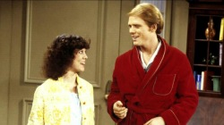 'Happy Days' star Erin Moran dies at 56, remembered by co-stars