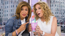 Kathie Lee and Hoda try Starbucks' colorful unicorn Frappuccino
