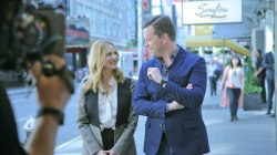 Laura Linney talks 'Love Actually' reunion, dealing with stage fright