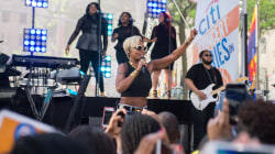 See Mary J. Blige sing 'Family Affair' live on TODAY