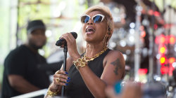 Mary J. Blige performs 'Thick of It' live on the TODAY plaza
