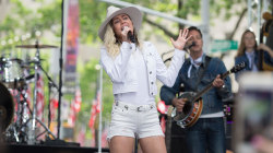 See Miley Cyrus sing Dolly Parton classic 'Jolene' live on TODAY