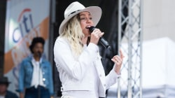 Miley Cyrus performs her new single 'Malibu' live on the TODAY plaza