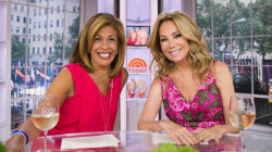Kathie Lee and Hoda ask: Do you worry about your 'kninkles' (knee wrinkles)?