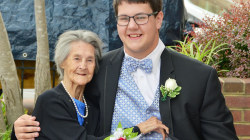 See this high school junior take his dying grandmother to prom