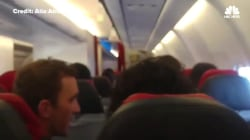 Air Asia Plane Begins Shaking Like A 'Washing Machine' Mid-Flight
