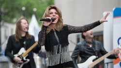 Watch Shania Twain sing her hit 'That Don't Impress Me Much'